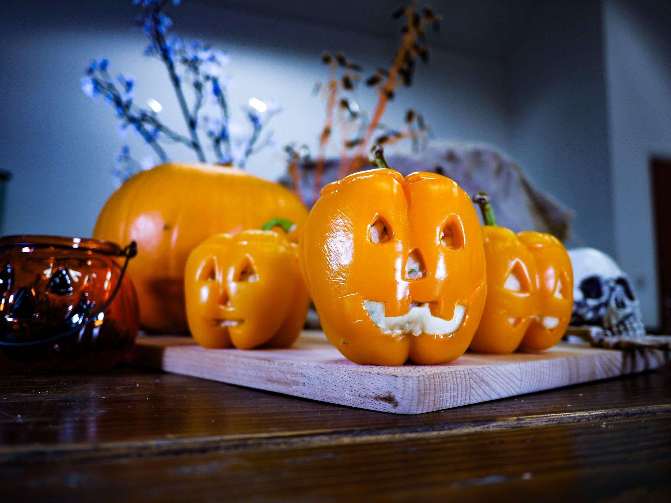 Halloween - Stuffed Jack-o Lantern Peppers