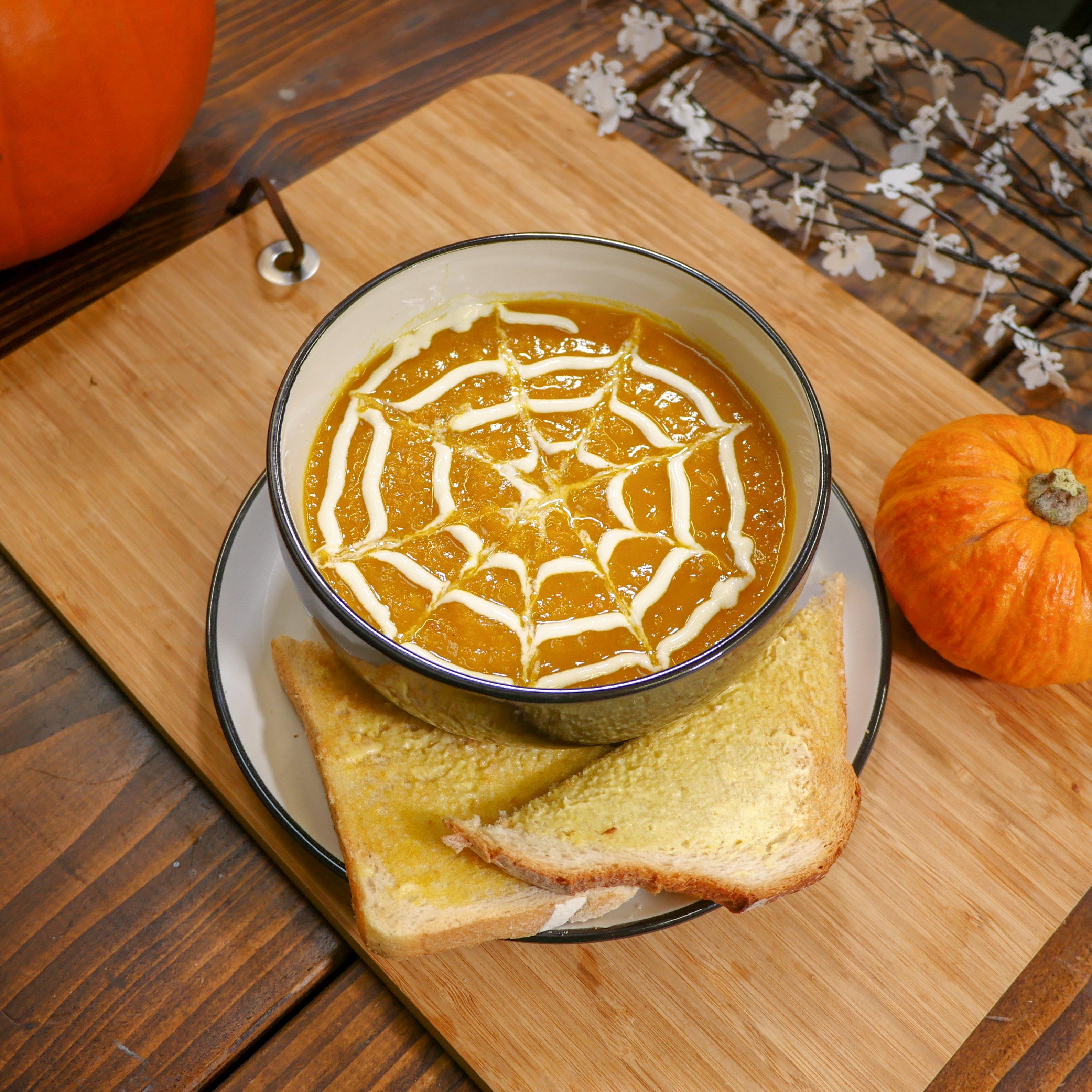 Halloween - Carrot, Parsnip & Pumpkin Soup